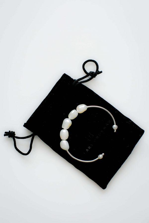 Shop Holidays - Pearl Bracelet