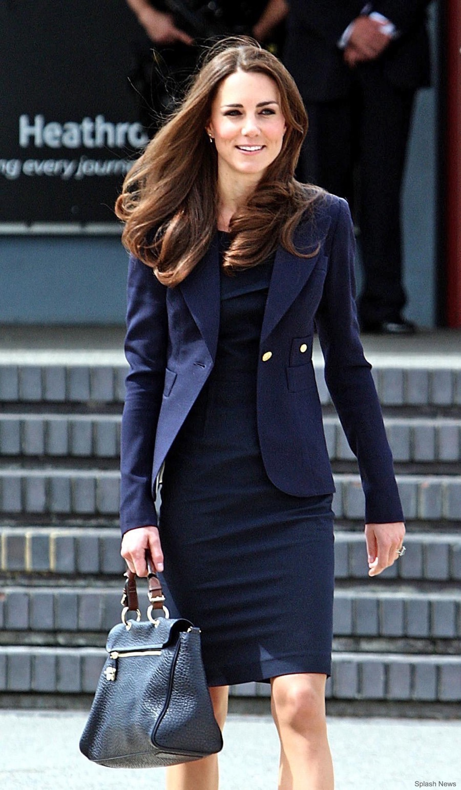 Kate-Middleton-Heathrow-Canada-2011