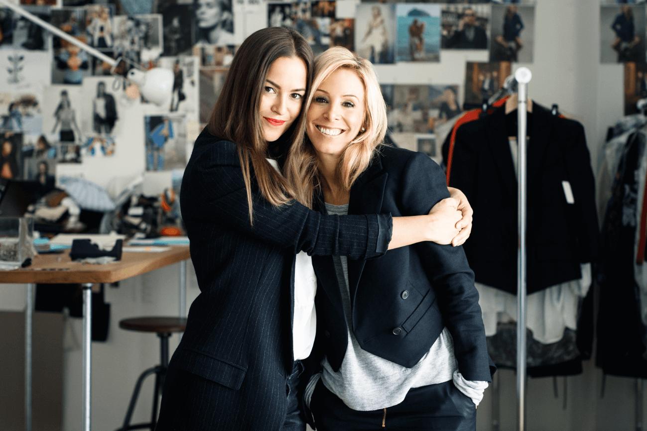 SMYTHE -Andrea & Christie